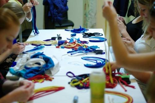 Anya-lánya újrahasznosító textilékszer workshop Cirrhoppal