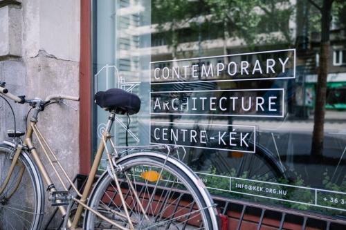 Csizik Balázs beltéri installációja a KÉK - Kortárs Építészeti Központban