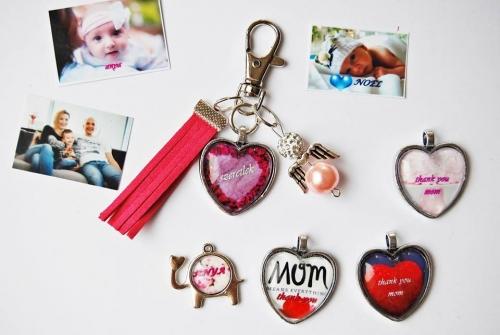 Anyák napi egyedi üveglencsés ékszerkészítő workshop
